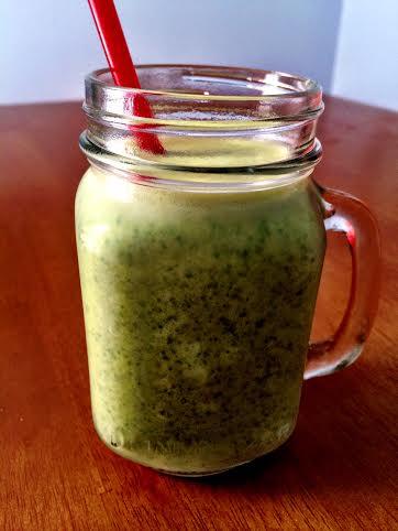 Vanilla Peanut Butter Spinach Smoothie | FoodosaurusRex.com